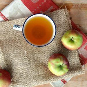 Tác dụng ngâm chân bằng dấm táo