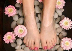 Chân nhỏ gọn nhờ ngâm chân