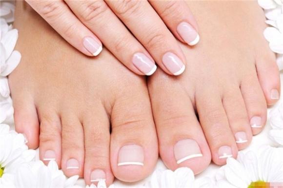 hướng dẫn chi tiết phương pháp trị hôi chân bằng phương pháp ngâm chân bằng giấm