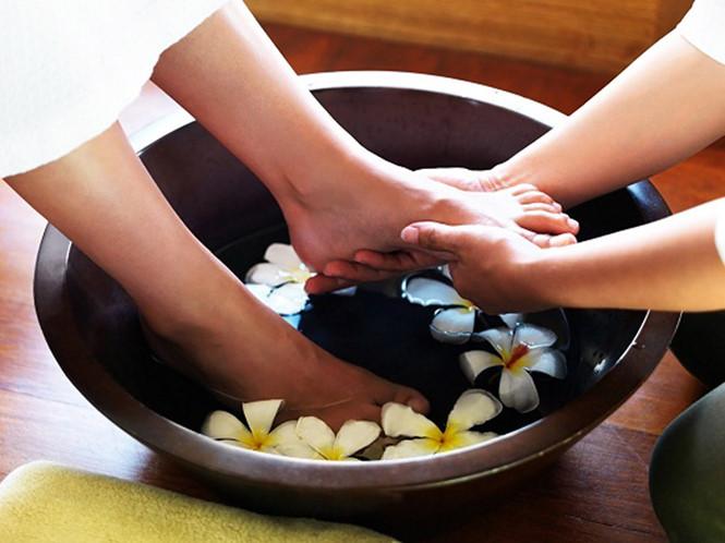 Một số lượng nhắc nhở khi ngâm chân bạn tôi nên biết