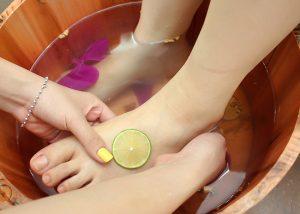 bồn ngâm massage chân giải độc Khử mùi hôi chân mùa đông