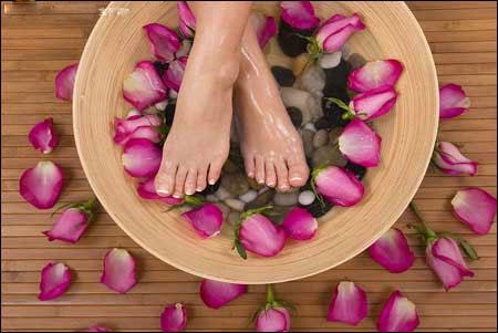 lợi ích chữa bệnh bằng ngâm chân bạn nên biết