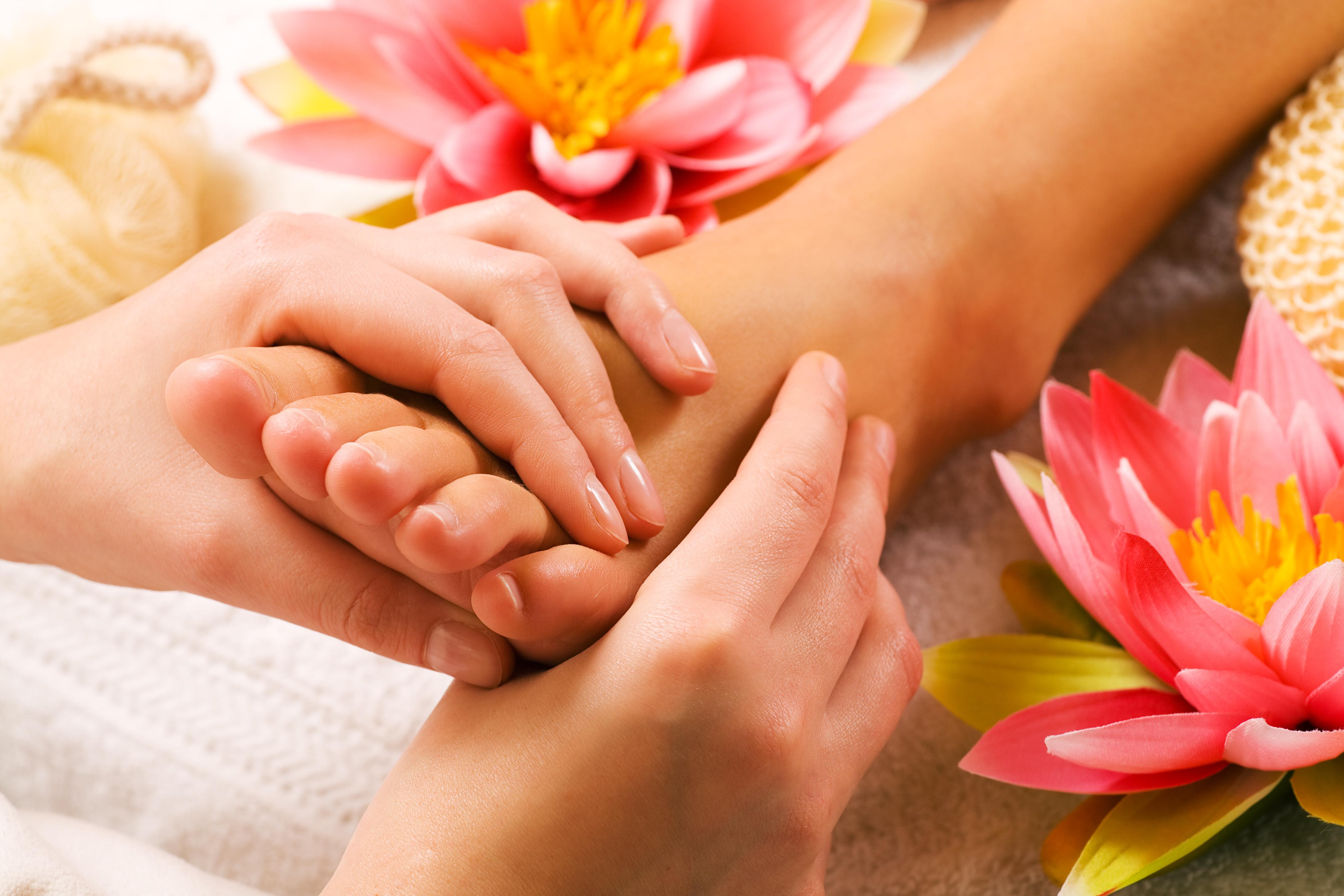 bạn biết gì về massage chân mỗi ngày