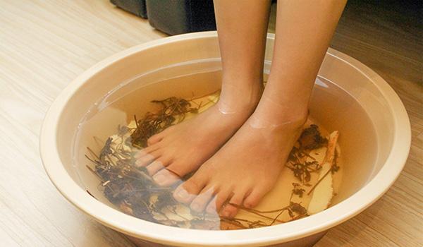 Hé lộ liệu pháp ngâm chân tuyệt cho sức khỏe